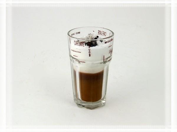 Duftkerze in Cappuccino-Glas mit starker Duftrichtung Cappuccino