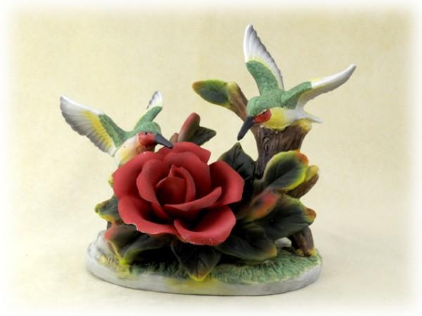 Porzellan Blume rote Rose mit zwei Kolibris