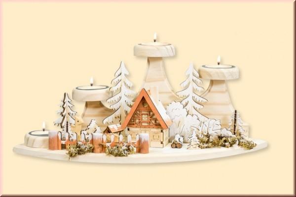 Winterszene mit Teelichthaltern und Räucherhaus