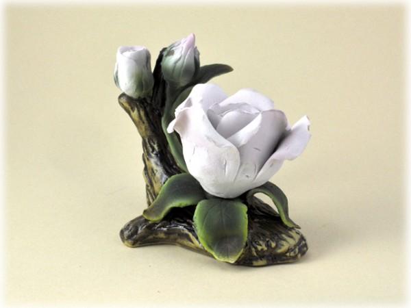 Porzellan Blume mit weiß-rosaner Blüte