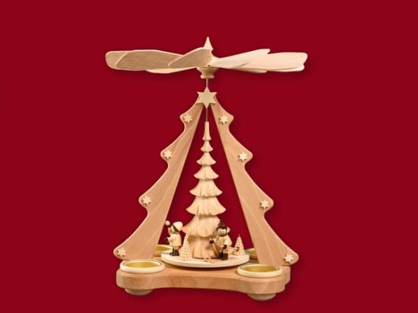 Teelichtpyramide mit geschnitztem Baum und Winterkindern