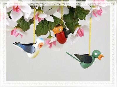 Vögel aus Holz zum Hängen 3-teiliges Set
