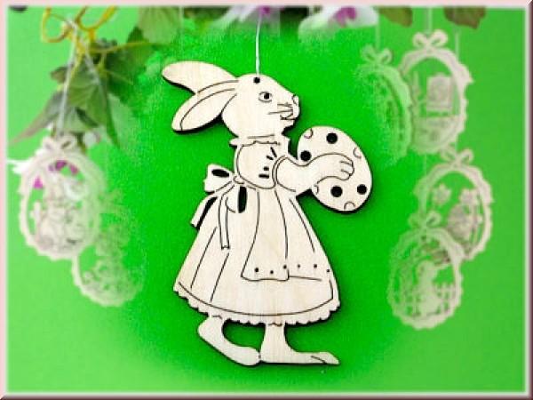 Baumbehang/Fensterbild Hasenfrau laufend mit Osterei