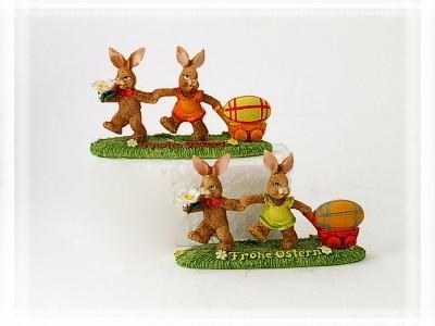 Hasenpaar mit Eierwagen