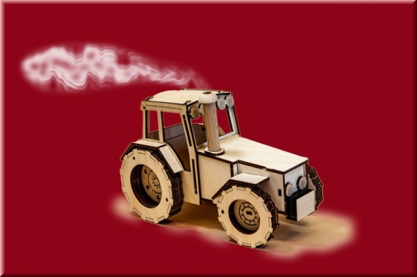 Traktor rauchend natur
