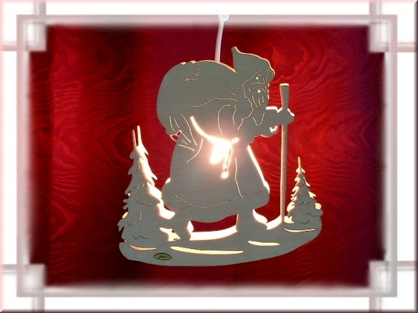 Fensterbild Weihnachtsmann beleuchtet