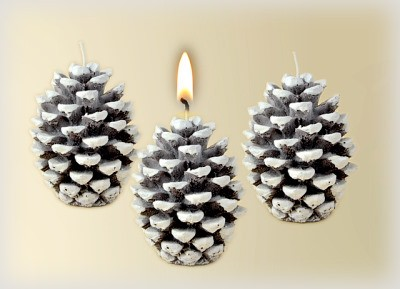 Kerze Tannenzapfe