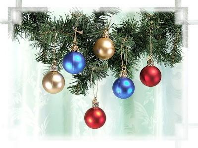 Weihnachtsbaumkugeln gold/blau/rot 24er Pack