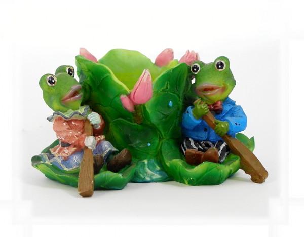 Froschpaar an Pflanzgefäß